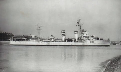 Ardent entering Portsmouth harbour pre-war